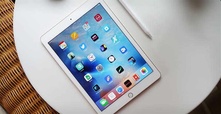 Le vendite di iPad in calo da 12 trimestri consecutivi ma la responsabilità è di iPad Mini