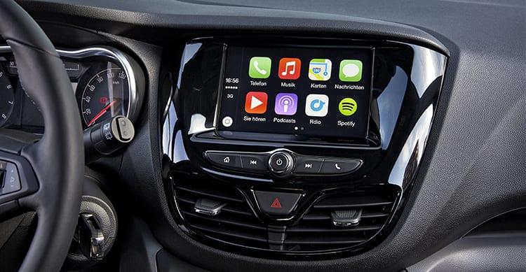 Anche Renault implementerà CarPlay sui nuovi modelli, ma le utilitarie avranno solo Android Auto