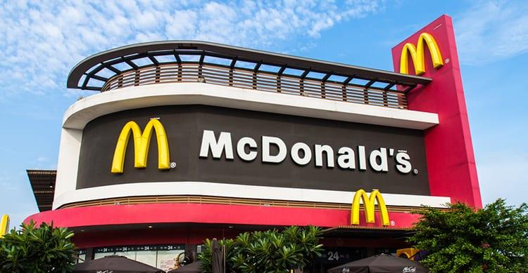 McDonald's testa le ordinazioni da Mobile: il cliente andrà a ritirare il pasto senza file nè attese