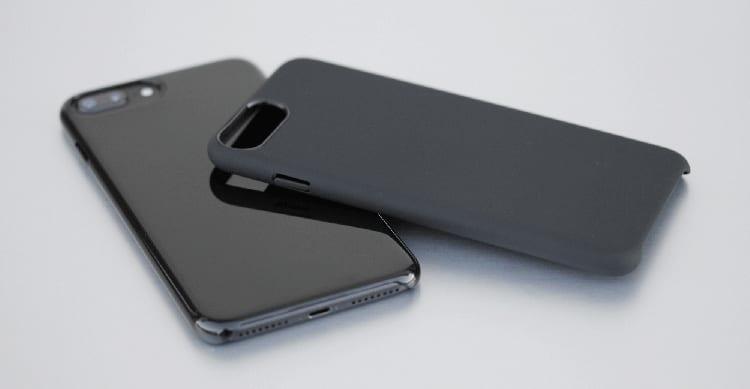 Recensione Nuova LiquidSoft by CoverStyle, la cover rigida con interno in microfibra in versione opaca soft-touch e jet black + Vetro Gratis