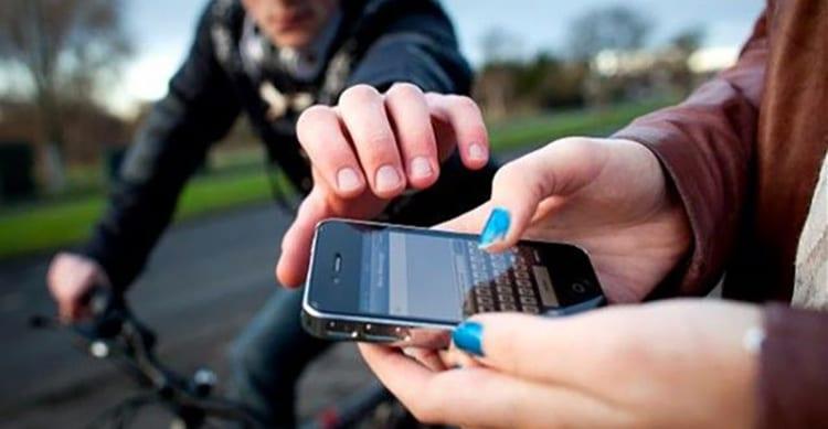 """Dopo aver rubato oltre 100 smartphone, viene arrestato grazie a """"Find My iPhone"""""""