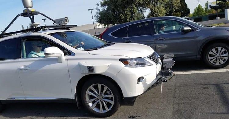 Ecco il SUV Lexus, il primo veicolo con il quale Apple sta testando il proprio sistema di guida autonoma