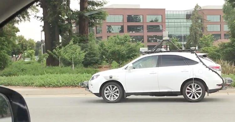 La Apple Car, il SUV che sta testando il software di guida autonoma, viene mostrata in azione in un video