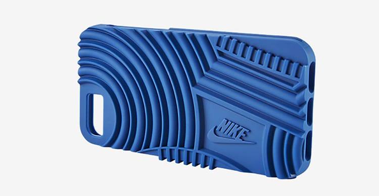 Nike presenta le prime Cover per iPhone 7 che si rifanno alle suole delle sue scarpe più vendute