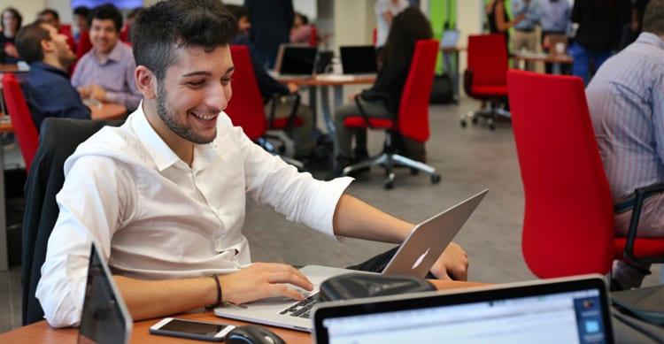 """""""Quell'occasione che arriva una volta nella vita"""": è così che Lucio descrive la Apple Developer Academy di Napoli"""