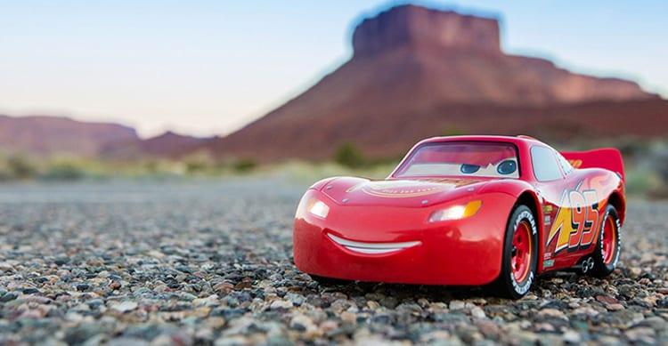 Sphero e Disney Pixel hanno creato un gadget reale di Saetta McQueen dal cartone CARS [Video]