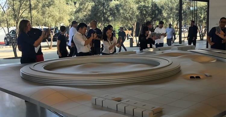 "Apple Park AR: la trovata geniale di Apple per far visitare il nuovo Campus, senza farlo ""visitare"" [Video]"