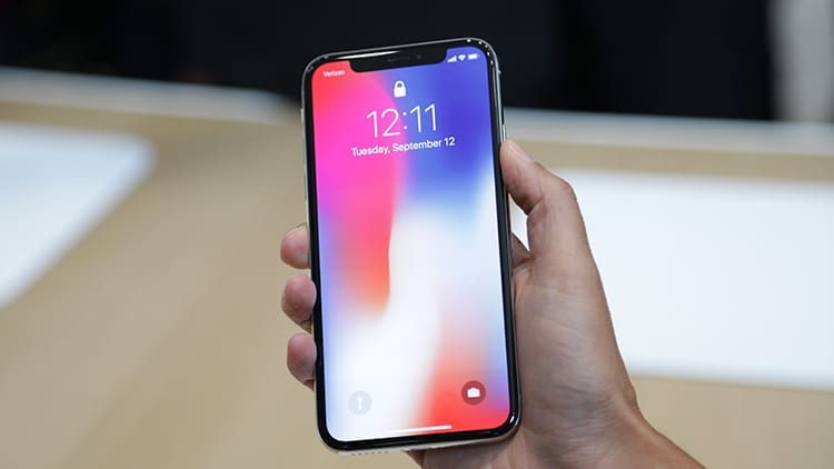iPhone X: troppi problemi di produzione per arrivare alla perfezione. Sarà difficile averlo al Day One