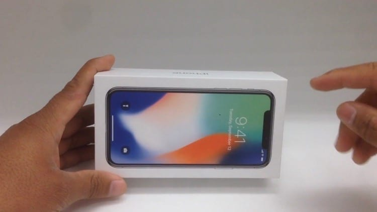 iPhone X: Ecco il primo Unboxing al mondo [Video]