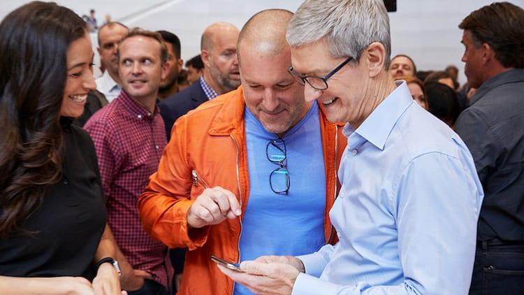 Tim Cook ospite in Cina dove le vendite di iPhone sono tornate a crescere
