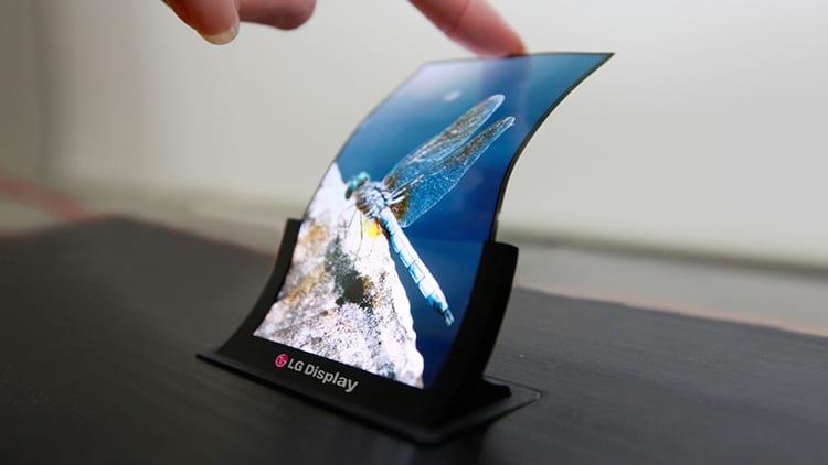 Apple collabora con LG Display per futuri iPhone pieghevoli | Rumor