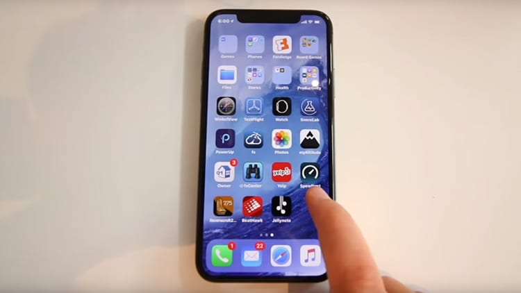 iPhone X si mostra in un nuovo video hands-on, registrato in un Caffé Macs!