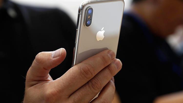 Avvistati altri iPhone X reali, prima del lancio ufficiale sul mercato [FOTO]
