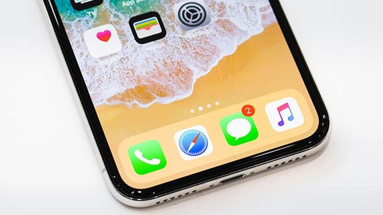 cd87cfd15a3 Soltanto quando arriverà l'iPhone X rallenterà il ritmo di vendita dell' iPhone 8. Il nuovo terminale verrà lanciato ad inizio Novembre ma la  domanda sarà ...