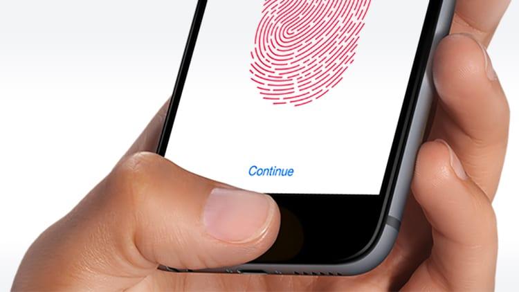 Apple non ha mai perso tempo cercando di implementare il Touch ID sotto lo schermo