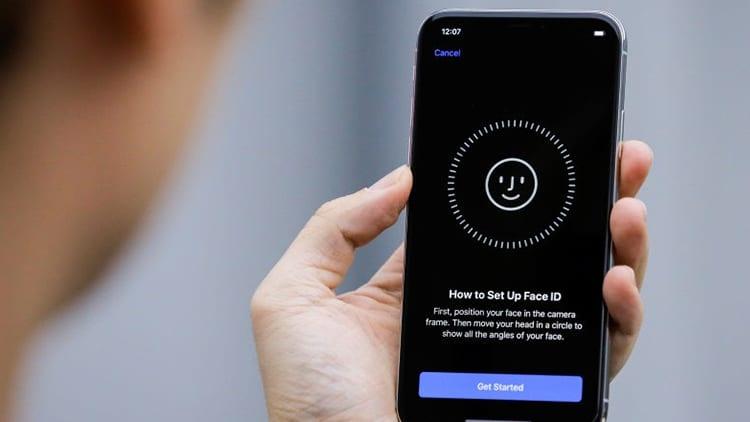 iPhone X sbloccato con il Face ID da due persone diverse, succede ad una coppia di Milano [Video]