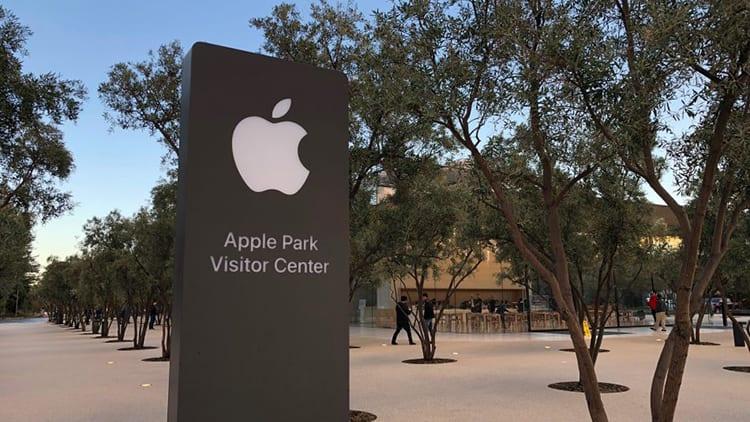Apre l'Apple Park Visitor Center, una festa inaugura l'apertura alla comunità