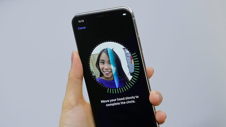 Face ID non funziona e richiede l'inserimento del codice sblocco quando la batteria è inferiore al 10%