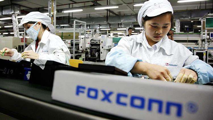 Foxconn: stop agli straordinari per gli studenti tirocinanti