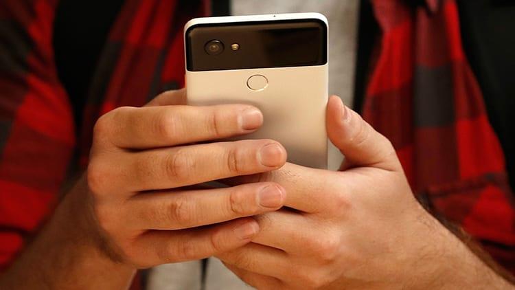Anche senza SIM gli smartphone Android tracciavano la posizione degli utenti