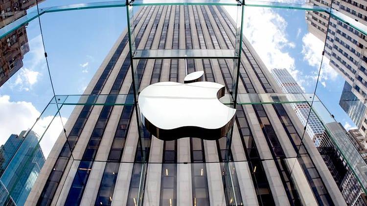 """Nuova class action contro Apple per il """"caso batterie"""": chiesto un risarcimento di 999 miliardi di dollari!"""