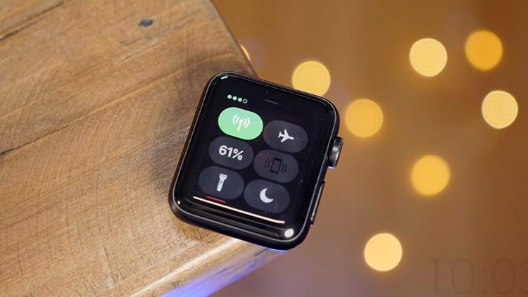 Apple Watch supera le vendite degli orologi svizzeri