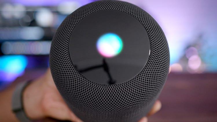 Siri su HomePod ha risposto correttamente solo al 52.3% delle domande in un test sulle AI: Google Assistant al primo posto