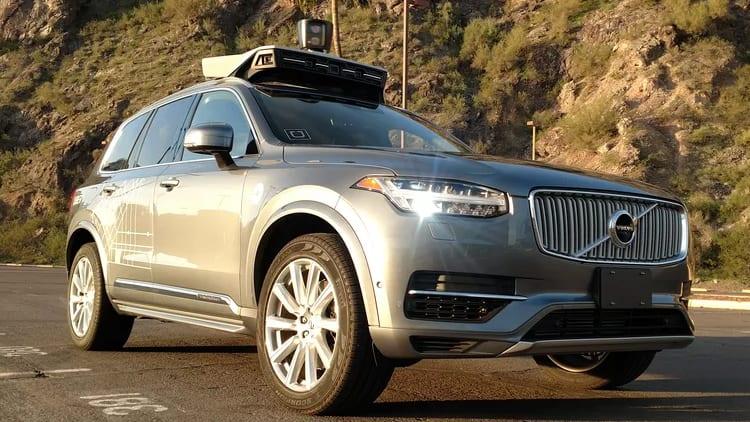 Veicolo di Uber con guida autonoma investe ed uccide una donna durante un test