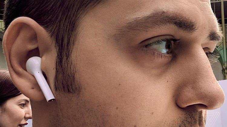 Huawei presenta le FreeBuds, auricolari in-ear che si ispirano alle AirPods