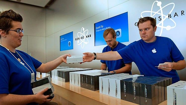 Apple: nuova strategia per ridurre i tempi per la sostituzione delle batterie degli iPhone