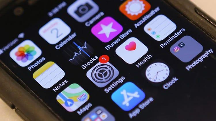 Apple segnalata all'Antitrust per un semplice badge di Notifica legato ad Apple Pay su iOS