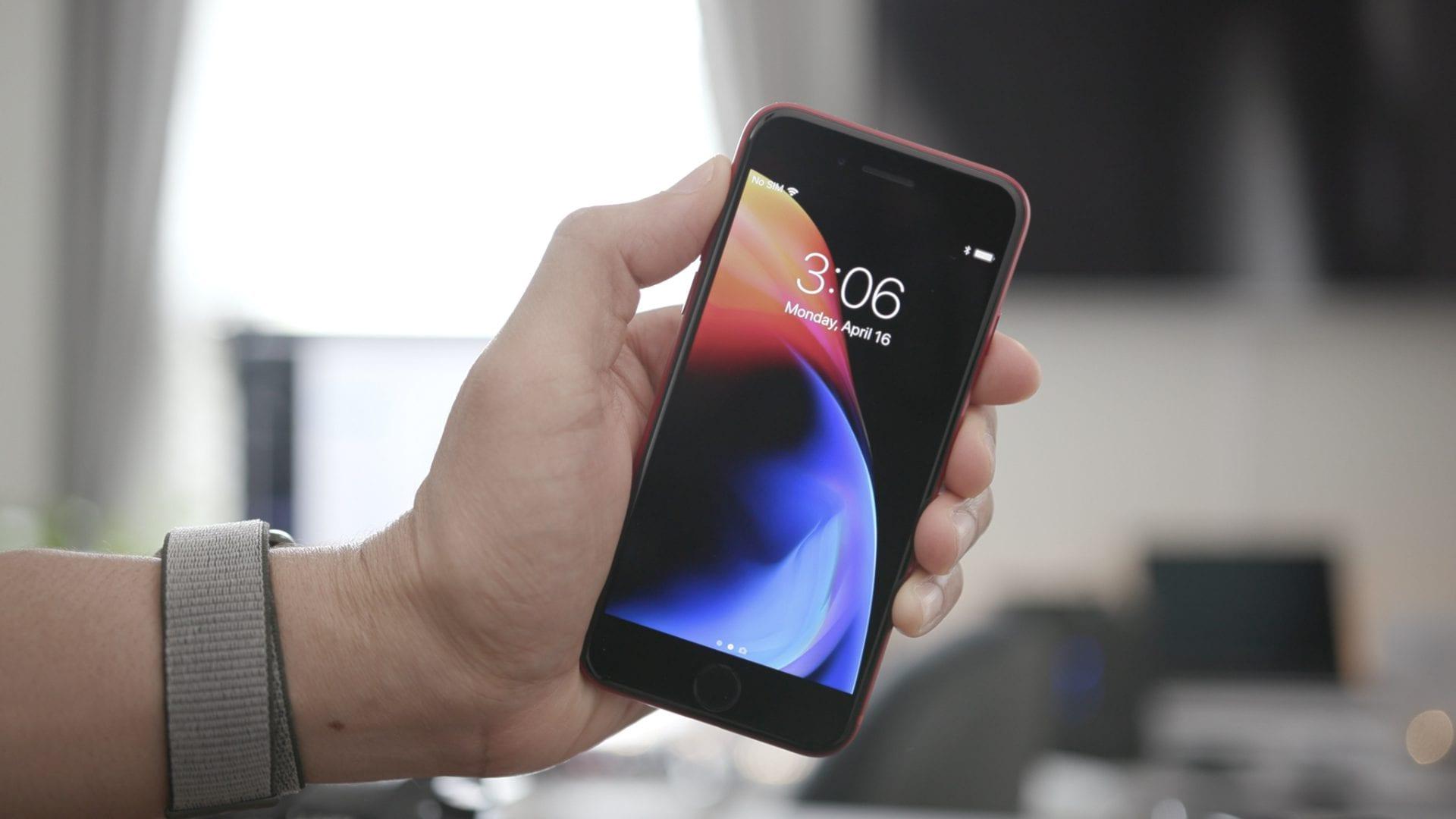 Apple aggiorna il processo di calibrazione dei display sostitutivi su iPhone: si riducono i tempi d'attesa