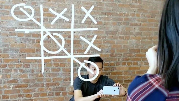 Disponibile il primo gioco AR cross-platform per iPhone e smartphone Android [Video]