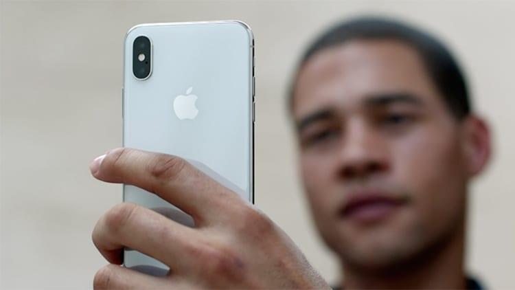 iPhone X con problemi al Face ID? Apple ve lo ripara o sostituisce gratuitamente