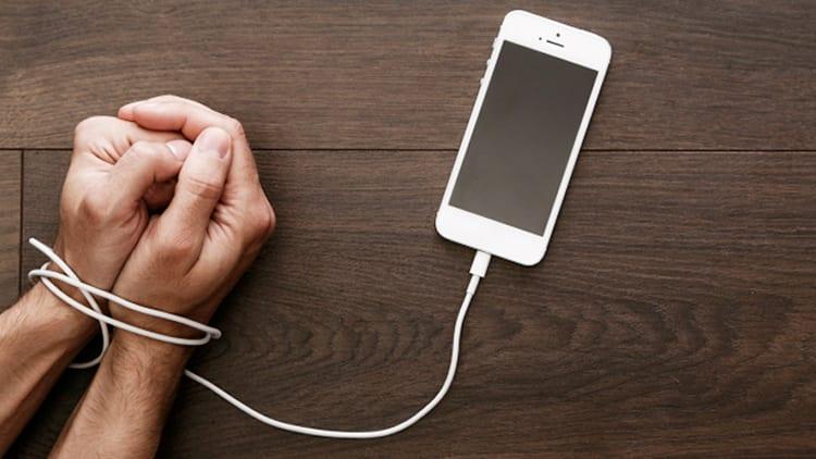 Apple e la dipendenza da iPhone: i nuovi strumenti di iOS 12 riusciranno a contrastare il problema?