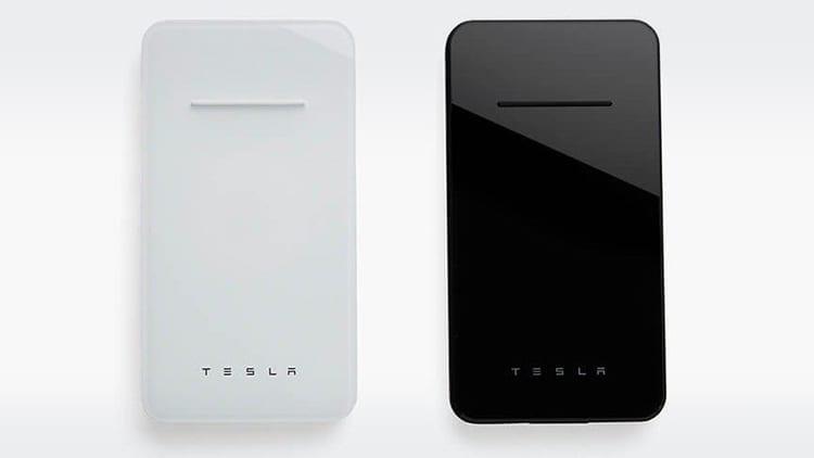 Tesla lancia il suo primo powerbank wireless per iPhone e Android