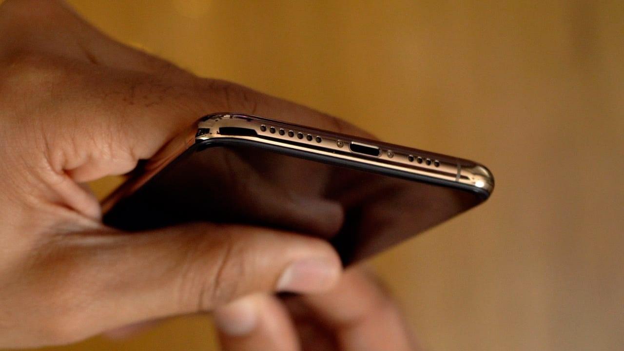 iPhone XS/XS Max, problemi con Wi-fi ed LTE: è il ritorno dell'antenna-gate?