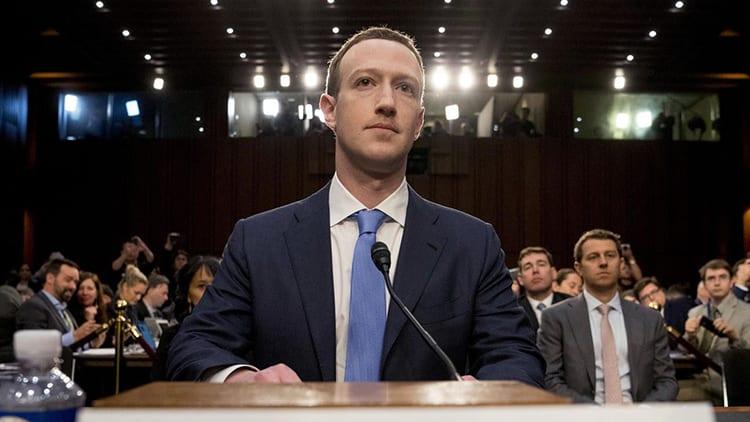 Molti utenti hanno cancellato l'applicazione Facebook dopo lo scandalo di Cambridge Analytica