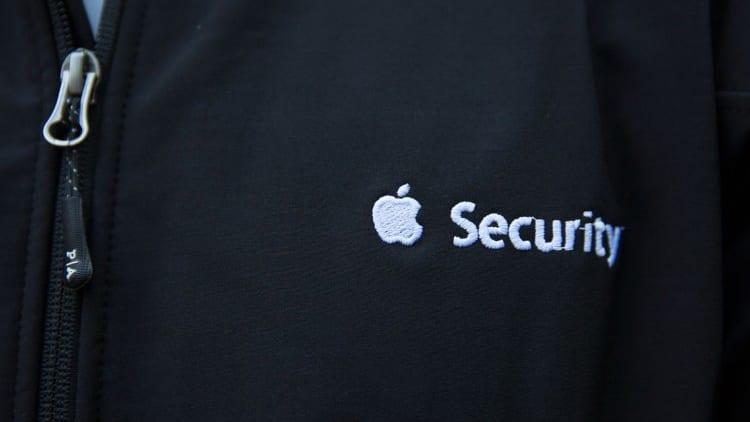 Apple realizzerà un sito web per condividere i dati dei clienti con le forze dell'ordine