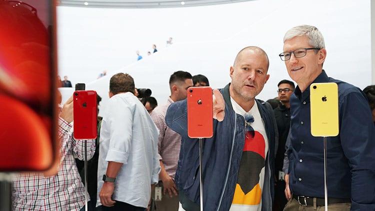 """Tim Cook sui prezzi dei nuovi iPhone: """"Vogliamo servire tutti"""""""