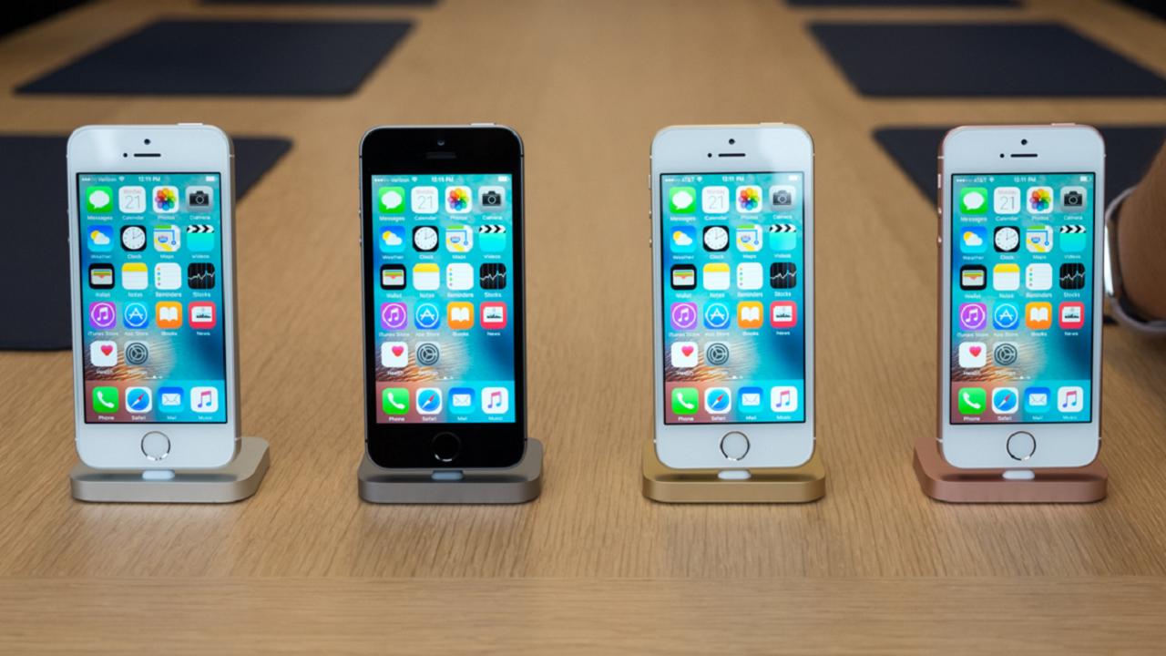 iPhone SE nelle diverse colorazioni