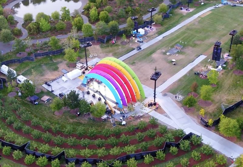 Apple Park logo arcobaleno