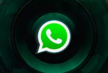 Photo of WhatsApp permette a chiunque di sapere se sei online e perfino con chi stai chattando